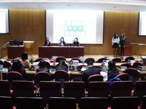 學生舉行模擬新聞發布會