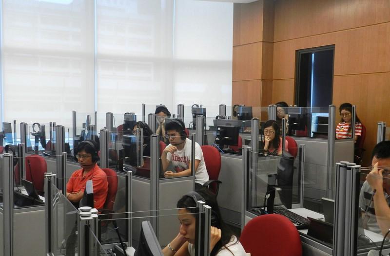 與會者參觀翻譯及傳譯實驗室